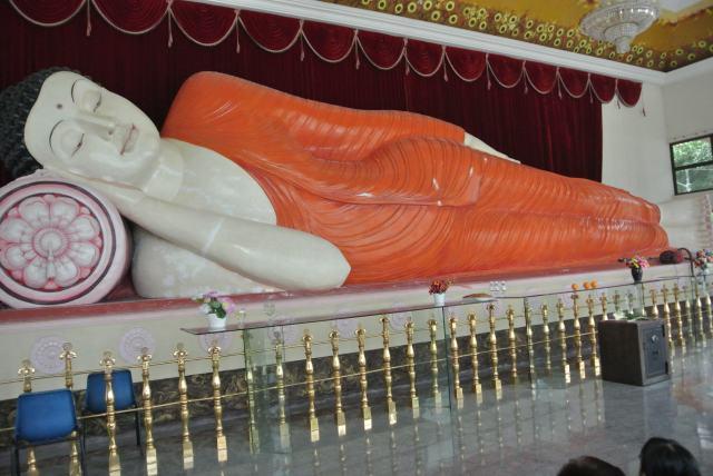 45-feet declining Buddha image.