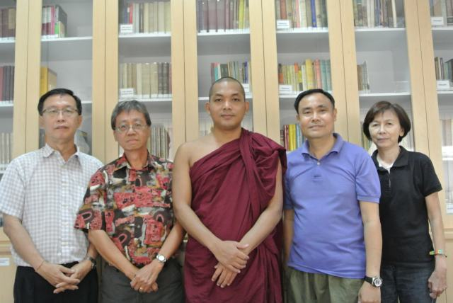 Group picture of Library Project Team. L-R: Yeap Cheow Soon, Chin Kee Thou, Bhante Cakapala, Chan Tuck Sing and Ng Wan Eng
