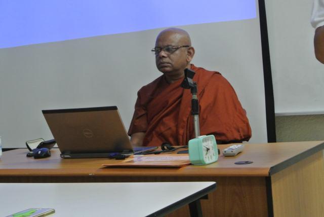 Venerable Dr. Sumanasiri delivers his lecture.