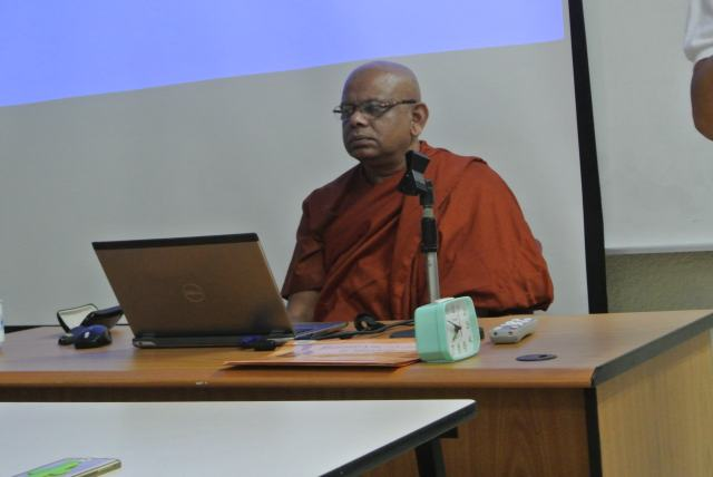 Venerable Dr. Sumanasiri delivers his lecture.