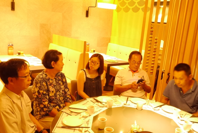 : … … … and MVDF committee members (left to right) Brother CS Yeap, Sister Christine Chiam, Sister Sue, Brother Raymond and Brother Hing. Absent Brother Chin who is the photographer.