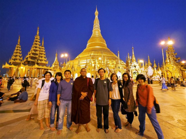 : Glistering Shwedagon Pagoda in the evening.